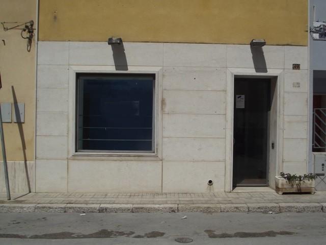 Negozio / Locale in affitto a Marsala, 4 locali, zona Località: LATO TRAPANI, prezzo € 600 | CambioCasa.it