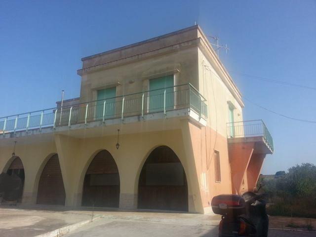 Villa in vendita a Marsala, 7 locali, zona Località: LATO TRAPANI, prezzo € 150.000 | CambioCasa.it