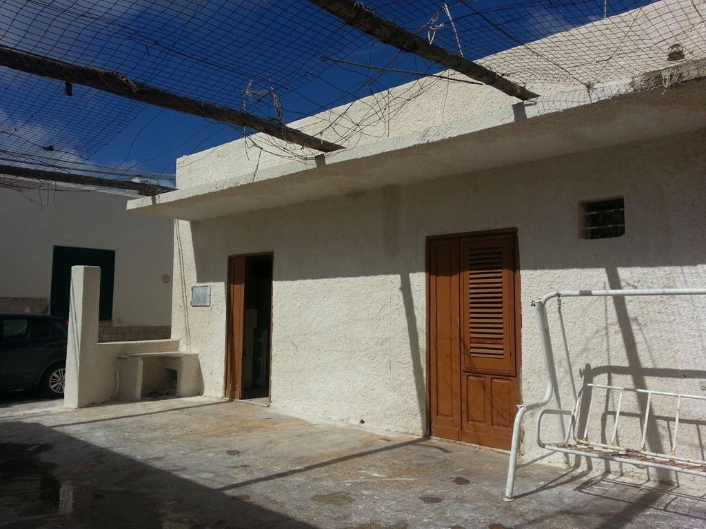 Soluzione Semindipendente in vendita a Petrosino, 4 locali, prezzo € 40.000 | CambioCasa.it