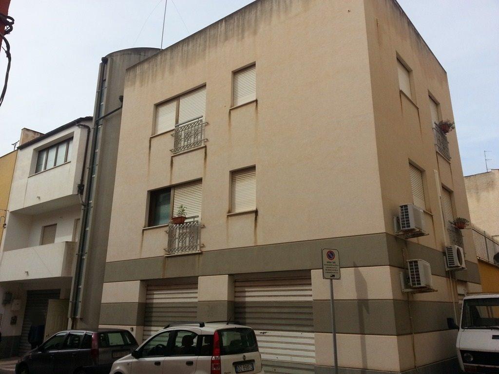 Palazzo / Stabile in vendita a Marsala, 10 locali, zona Località: CENTRO STORICO, prezzo € 300.000 | CambioCasa.it