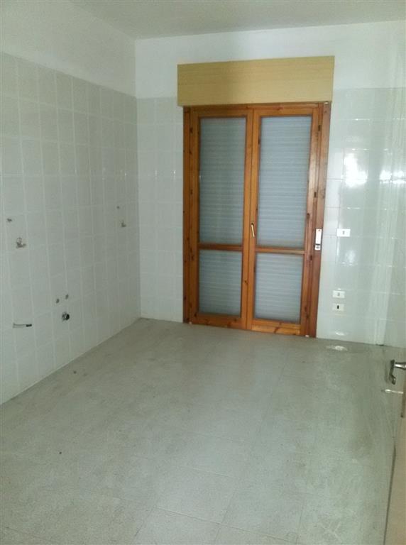 Appartamento in vendita a Marsala, 5 locali, zona Località: LATO TRAPANI, prezzo € 80.000   CambioCasa.it