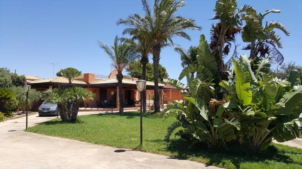 Villa in vendita a Marsala, 5 locali, zona Località: LATO MAZARA, prezzo € 410.000 | Cambio Casa.it