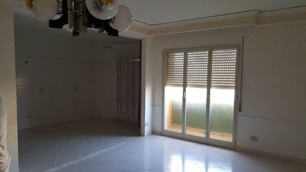 Appartamento in vendita a Marsala, 5 locali, zona Località: CENTRO, prezzo € 65.000   Cambio Casa.it