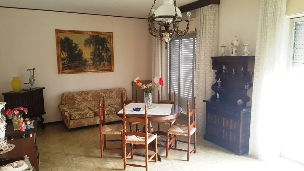 Appartamento in vendita a Marsala, 6 locali, zona Località: LATO TRAPANI, prezzo € 110.000 | Cambio Casa.it