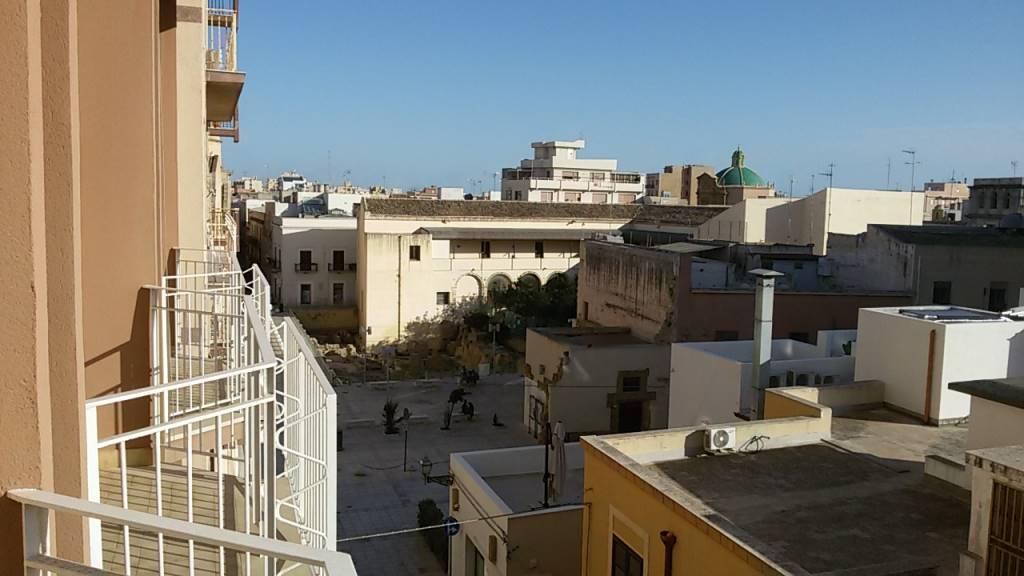 Appartamento in affitto a Marsala, 7 locali, zona Località: CENTRO STORICO, prezzo € 330 | CambioCasa.it