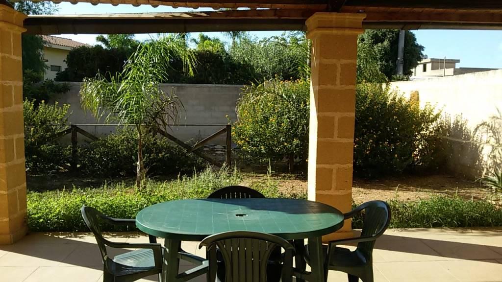 Soluzione Indipendente in affitto a Marsala, 3 locali, zona Località: LATO MAZARA, prezzo € 350 | CambioCasa.it