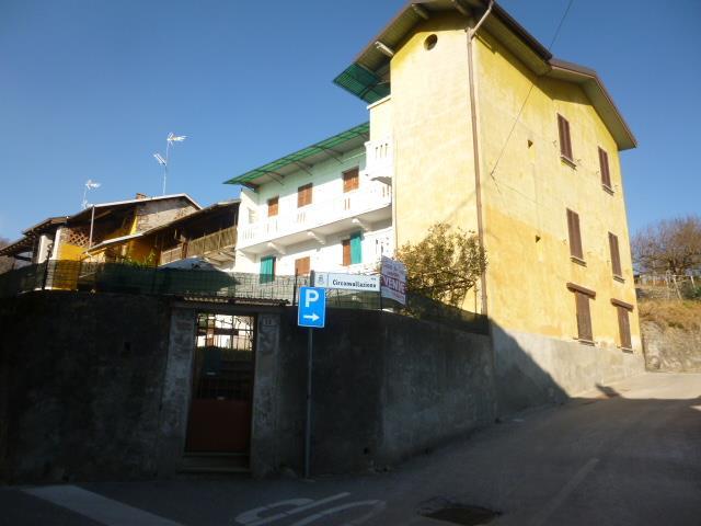Soluzione Indipendente in vendita a Invorio, 9 locali, prezzo € 98.000 | CambioCasa.it
