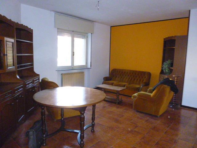 Appartamento in vendita a Briga Novarese, 5 locali, prezzo € 125.000 | Cambio Casa.it