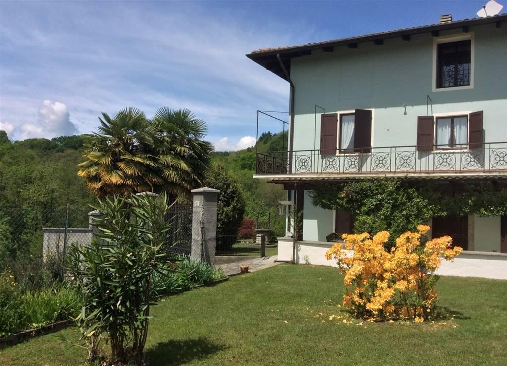 Villa Bifamiliare in Vendita a Invorio