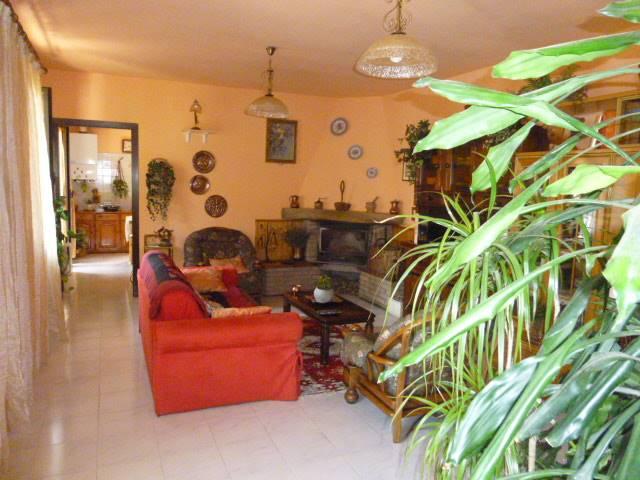 Soluzione Indipendente in vendita a Invorio, 4 locali, prezzo € 169.000 | CambioCasa.it