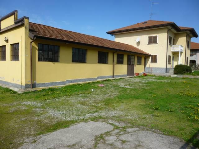 Soluzione Indipendente in vendita a Oleggio Castello, 10 locali, prezzo € 340.000 | Cambio Casa.it