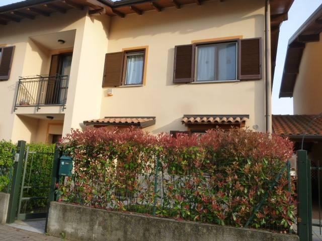 Villa Bifamiliare in vendita a Pisano, 6 locali, prezzo € 228.000 | Cambio Casa.it