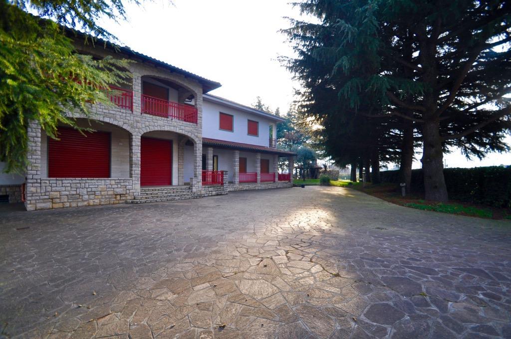 Locali commerciali bergamo in vendita e in affitto cerco for Cerco locale commerciale affitto