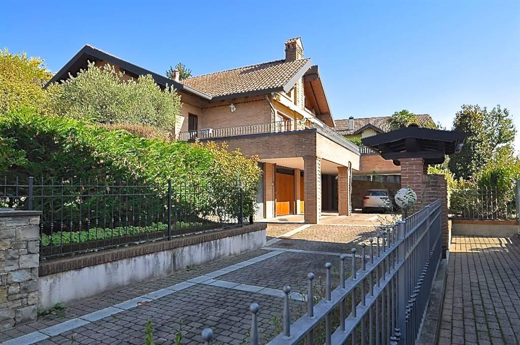 Case carvico compro casa carvico in vendita e affitto su for Affitto villa bergamo