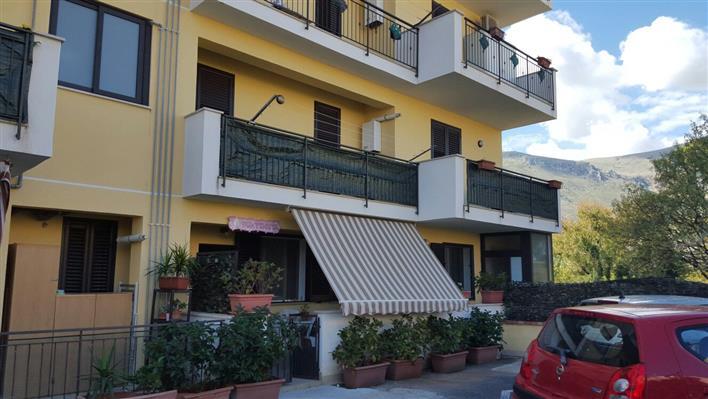 Trilocale, Villagrazia Di Carini, Carini, in ottime condizioni