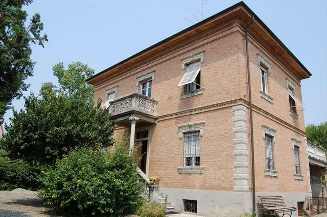 Casa mombaruzzo cerca case a mombaruzzo for Casa in stile vittoriano in vendita