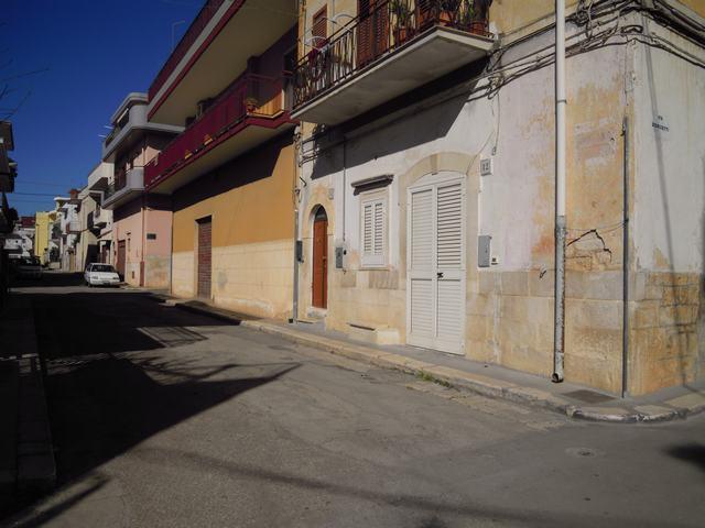 Appartamento indipendente in Via Montesanto, Palo Del Colle