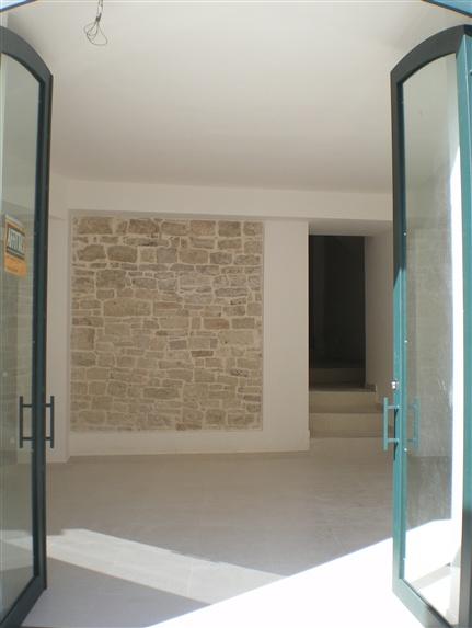 Immobile Commerciale in affitto a Palo del Colle, 2 locali, prezzo € 400 | CambioCasa.it