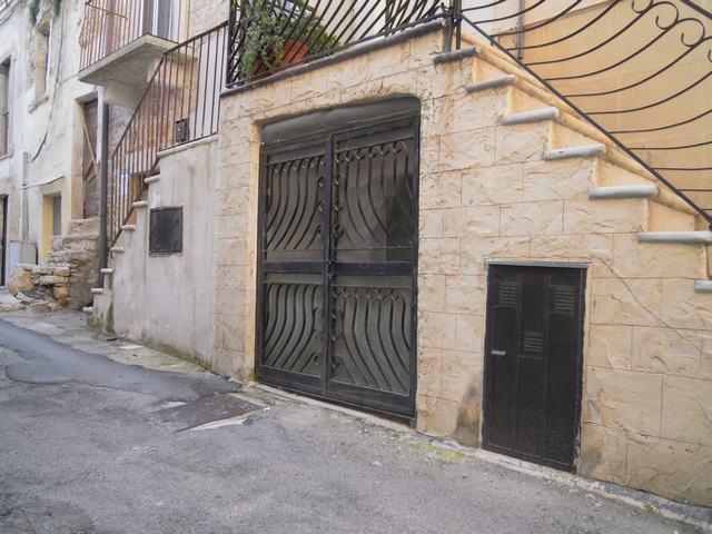 Soluzione Indipendente in vendita a Palo del Colle, 1 locali, prezzo € 18.000   Cambiocasa.it