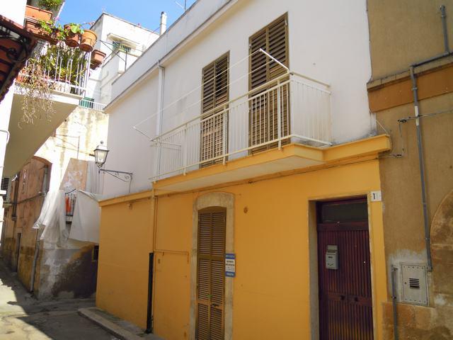 Soluzione Indipendente in vendita a Palo del Colle, 4 locali, prezzo € 90.000   Cambiocasa.it