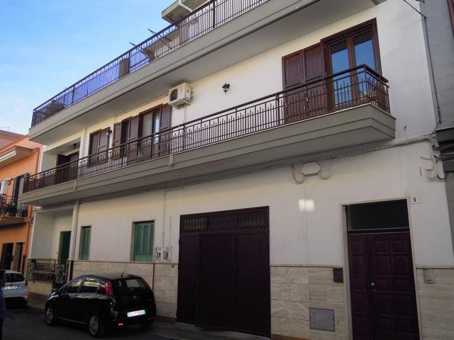 Soluzione Indipendente in vendita a Palo del Colle, 4 locali, prezzo € 220.000   Cambiocasa.it
