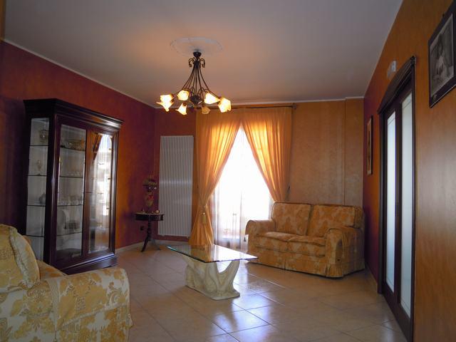 Appartamento in vendita a Palo del Colle, 4 locali, prezzo € 169.000   Cambiocasa.it