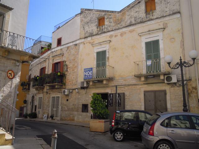 Soluzione Indipendente in vendita a Palo del Colle, 5 locali, prezzo € 150.000 | CambioCasa.it