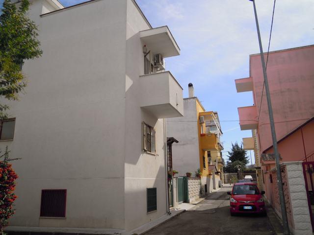 Villino in Via Vittorini, Palo Del Colle