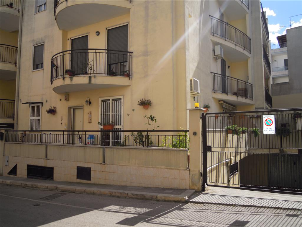 Appartamento a PALO DEL COLLE 3 Vani - Garage