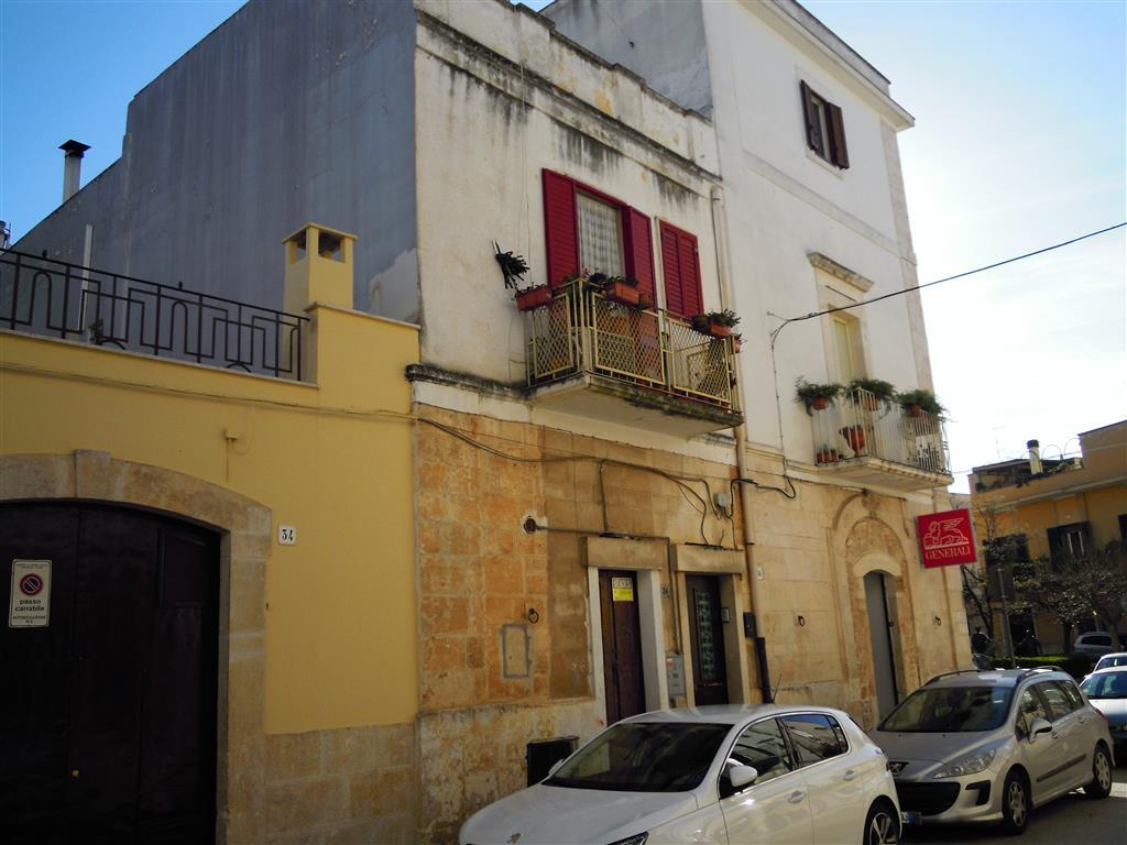 Appartamento indipendente in Via Lorenzo Servedio, Grumo Appula