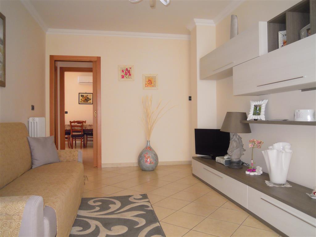 Appartamento indipendente a PALO DEL COLLE 3 Vani - Garage