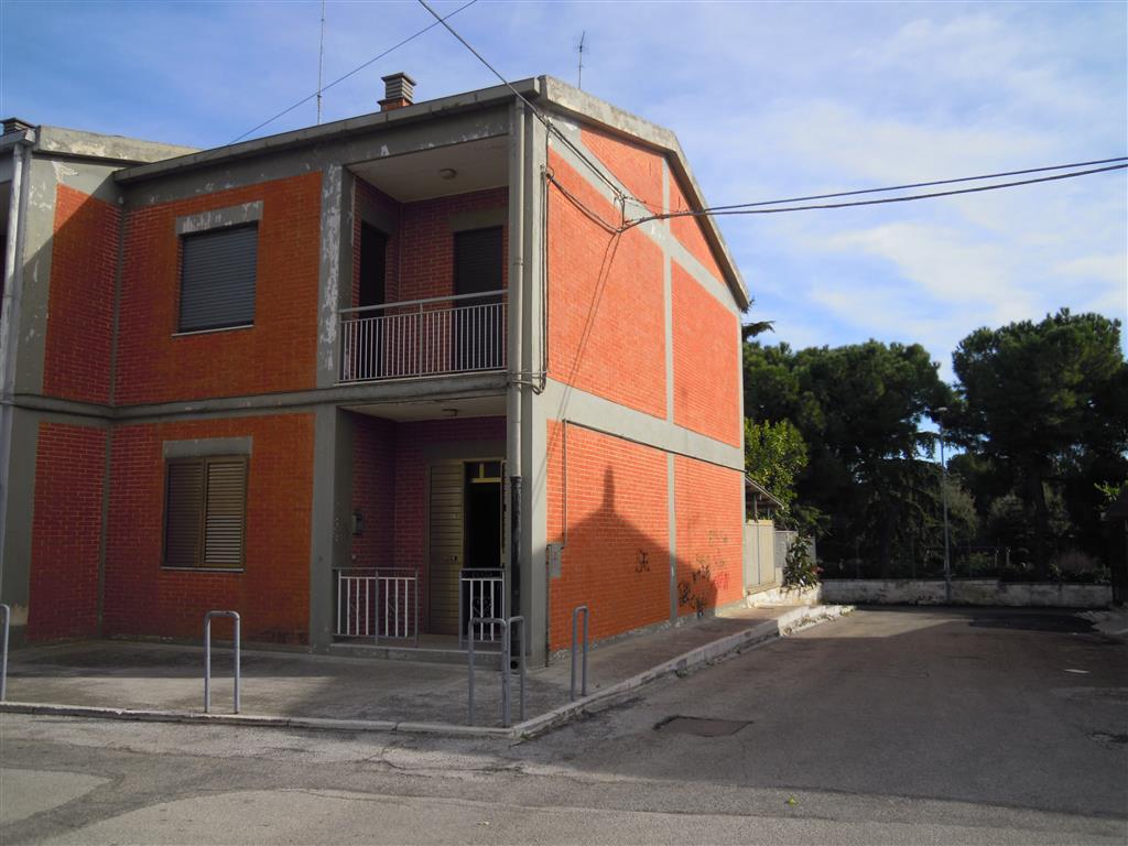 Villa a schiera a PALO DEL COLLE 4 Vani