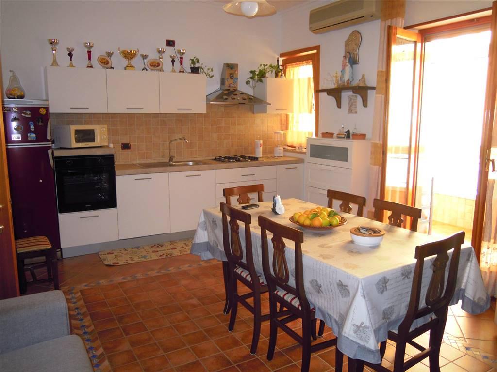 Appartamento indipendente a PALO DEL COLLE 4 Vani - Garage