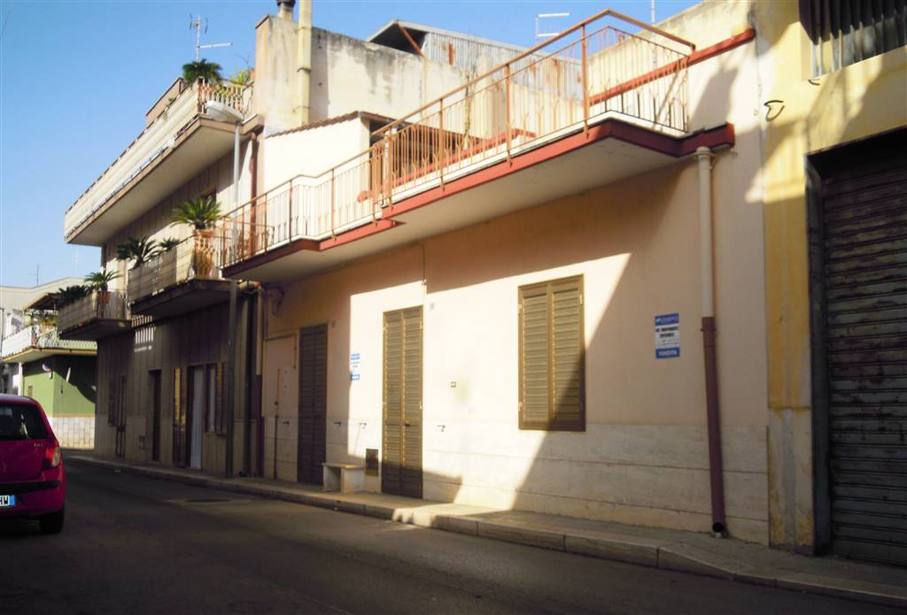 Casa singola in Via Cesare Cantù, Palo Del Colle