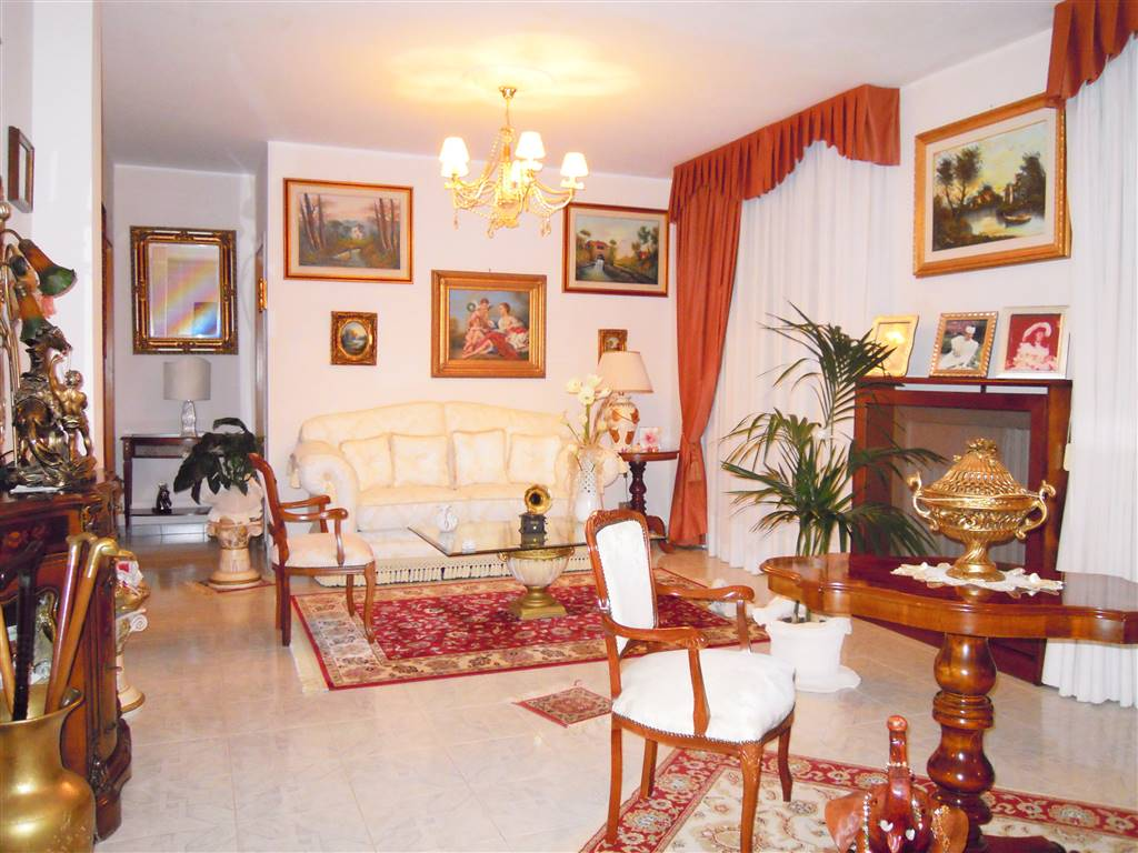 Appartamento in vendita a Bitonto, 3 locali, zona Località: PALOMBAIO, prezzo € 82.000 | CambioCasa.it