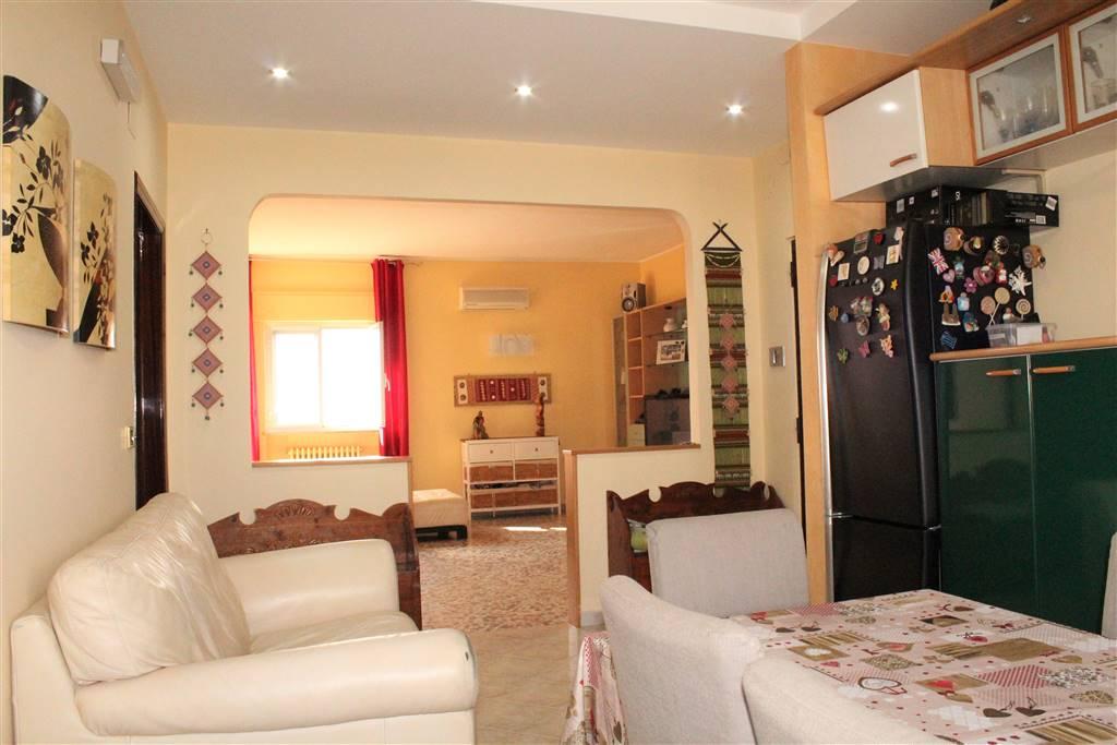 Appartamento in vendita a Palo del Colle, 4 locali, prezzo € 135.000 | CambioCasa.it