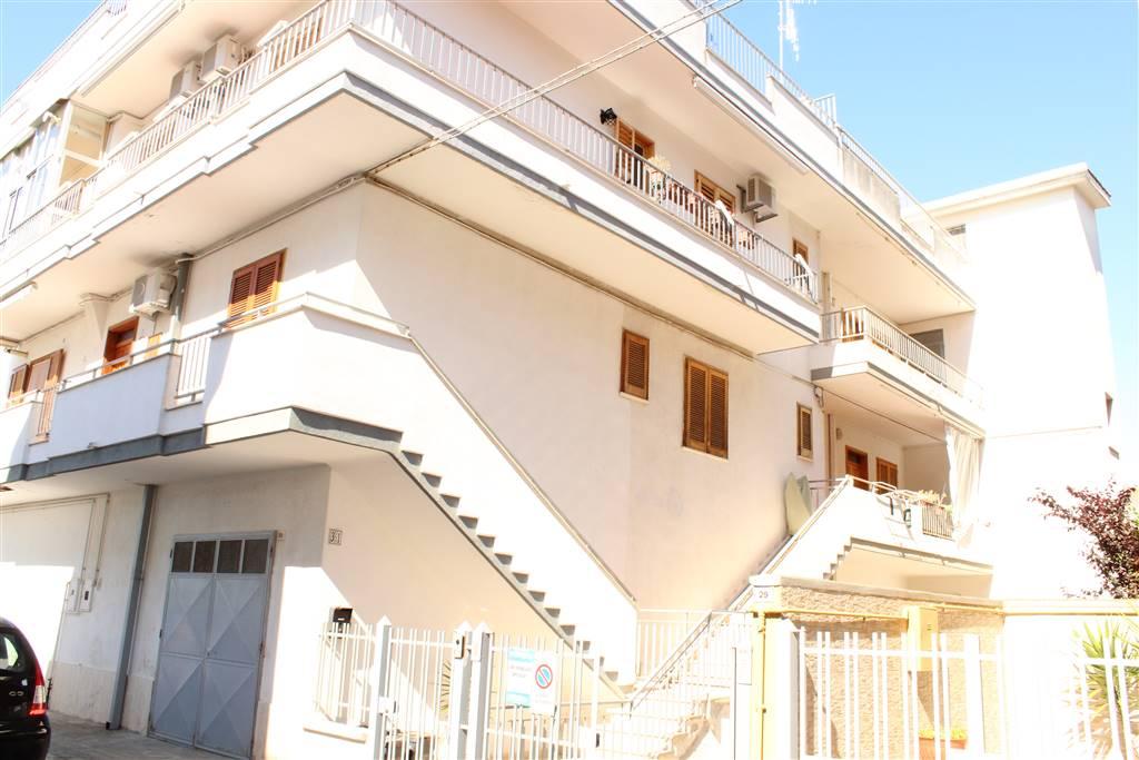 Unabhängige Wohnung in PALO DEL COLLE 130 Qm | 4 Räume | Garten 20 Qm