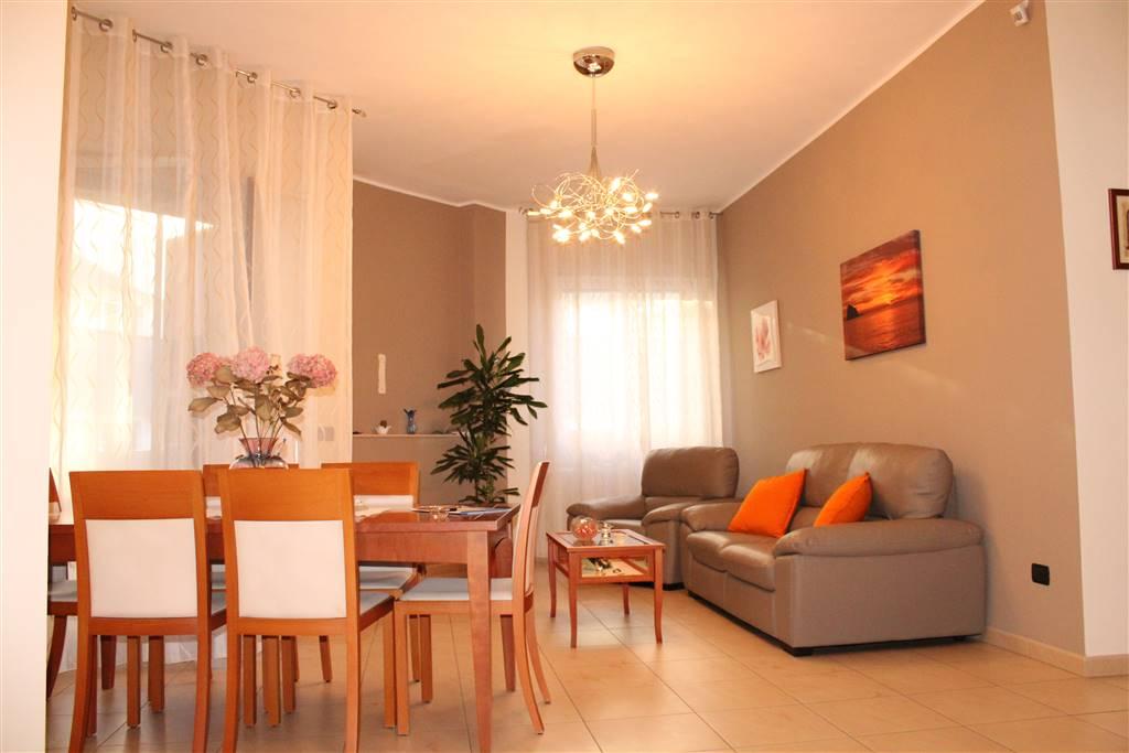 Appartamento in vendita a Modugno, 4 locali, prezzo € 145.000 | CambioCasa.it