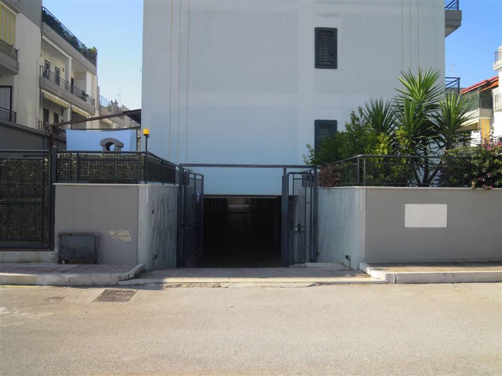 Box garage in vendita a palo del colle for Prezzo del garage 16x20