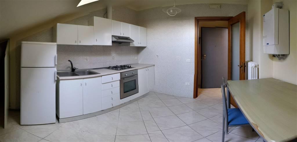 Attico / Mansarda in vendita a Altamura, 2 locali, zona Località: VIA PARISI, prezzo € 49.000 | Cambio Casa.it