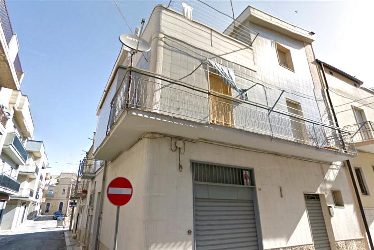 Negozio / Locale in vendita a Altamura, 1 locali, zona Località: CENTRO, prezzo € 35.000 | Cambiocasa.it