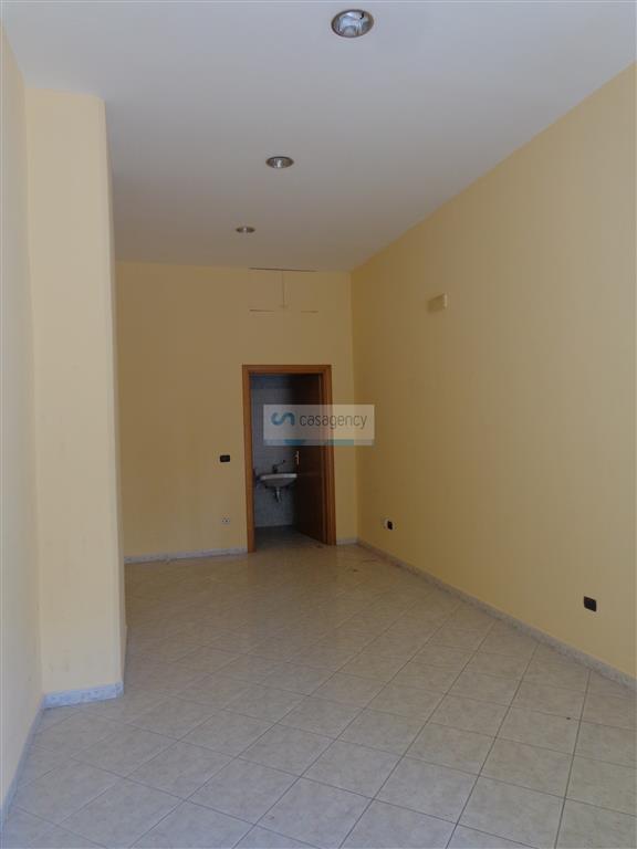 Attività / Licenza in affitto a Altamura, 2 locali, prezzo € 400 | Cambio Casa.it