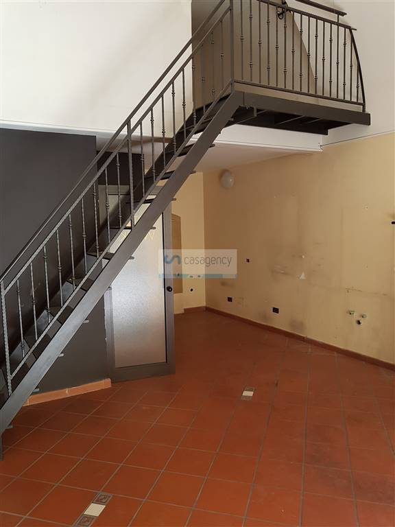 Negozio / Locale in affitto a Altamura, 2 locali, zona Località: CENTRO, prezzo € 380 | Cambio Casa.it