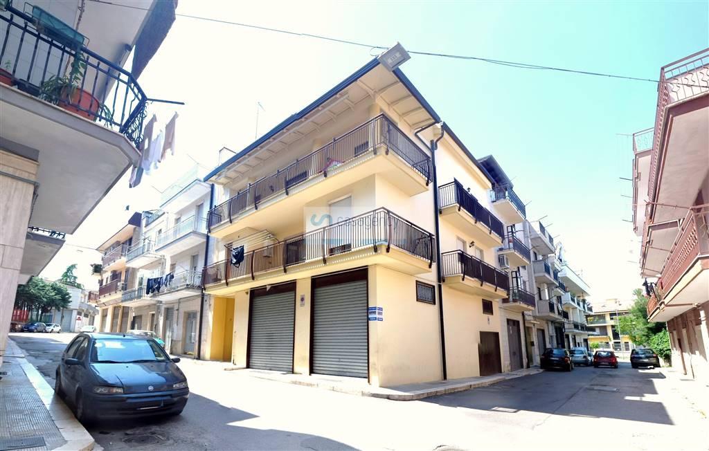 Box / Garage in vendita a Altamura, 1 locali, zona Località: CENTRO, prezzo € 87.000 | CambioCasa.it