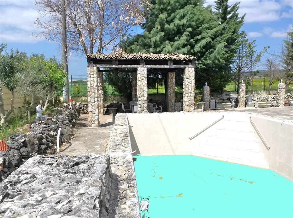 Villa in affitto a Altamura, 3 locali, prezzo € 700 | CambioCasa.it
