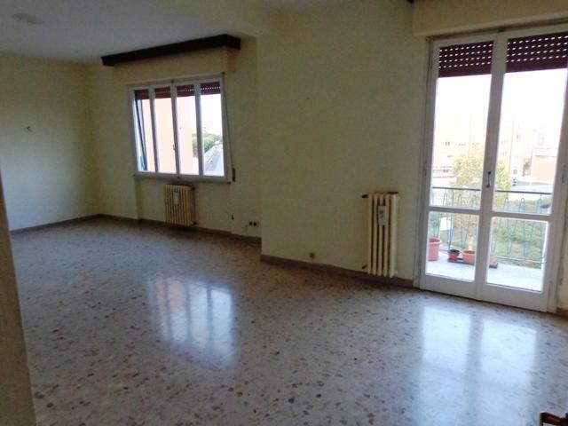 Appartamento in vendita a Livorno, 7 locali, zona Località: FABBRICOTTI, prezzo € 290.000 | Cambio Casa.it