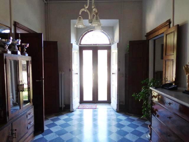 Villa in vendita a Livorno, 28 locali, zona Zona: Montenero, prezzo € 1.300.000 | Cambio Casa.it