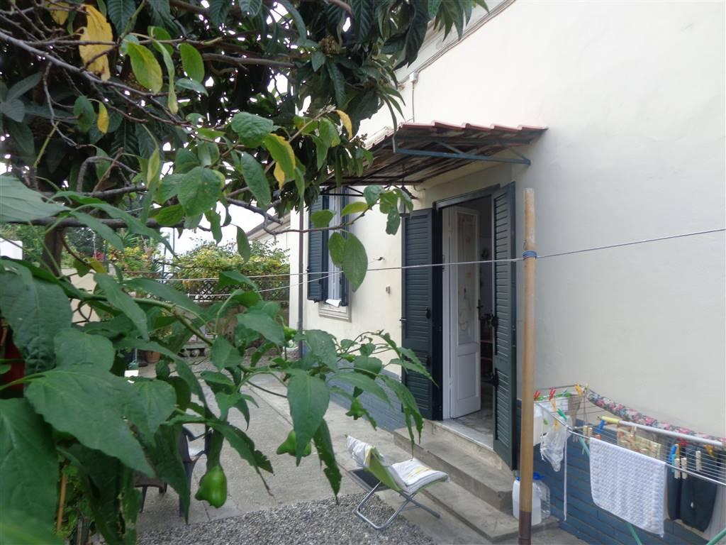 Villa in vendita a Livorno, 7 locali, zona Zona: Antignano, Trattative riservate | Cambio Casa.it