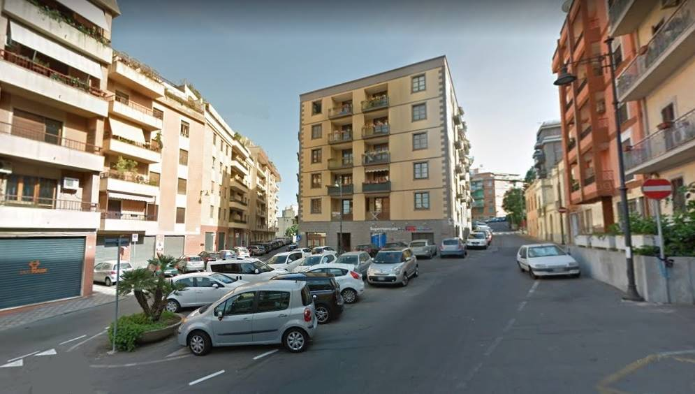 magazzino-deposito  in Vendita a Cagliari
