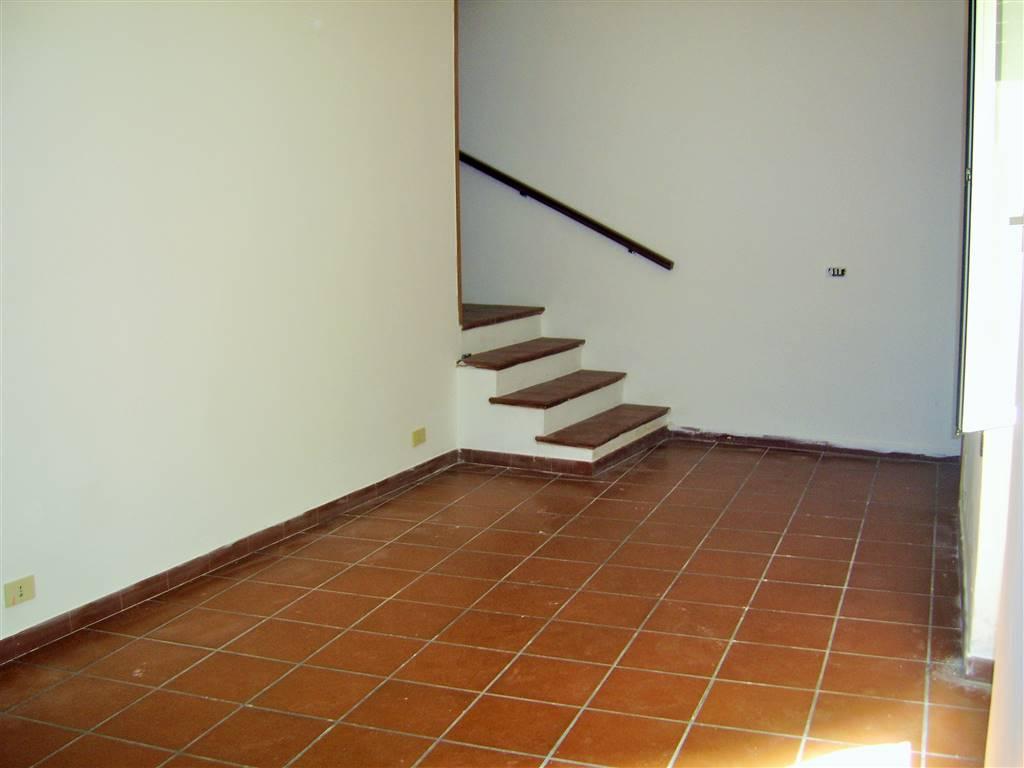 Appartamento VIA CAMILLO MEDA  a Velletri